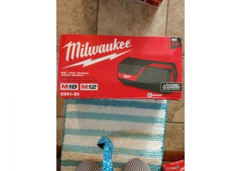 Milwaukee Job site Speaker